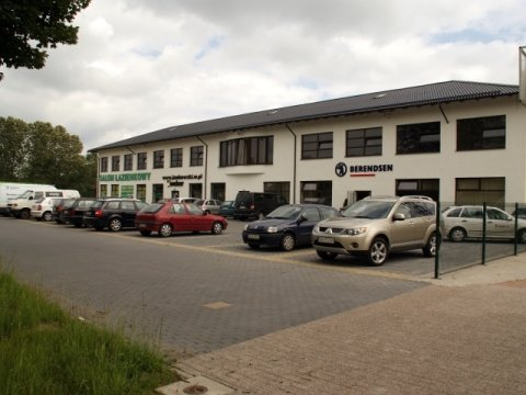 Siedziba Firmy - widok od strony szosy głównej